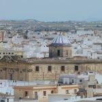 Iglesia Mayor entre las casas. Paco Vargas